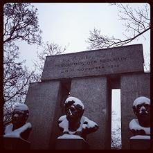 Geschichte - Denkmal Errichtung Republik small